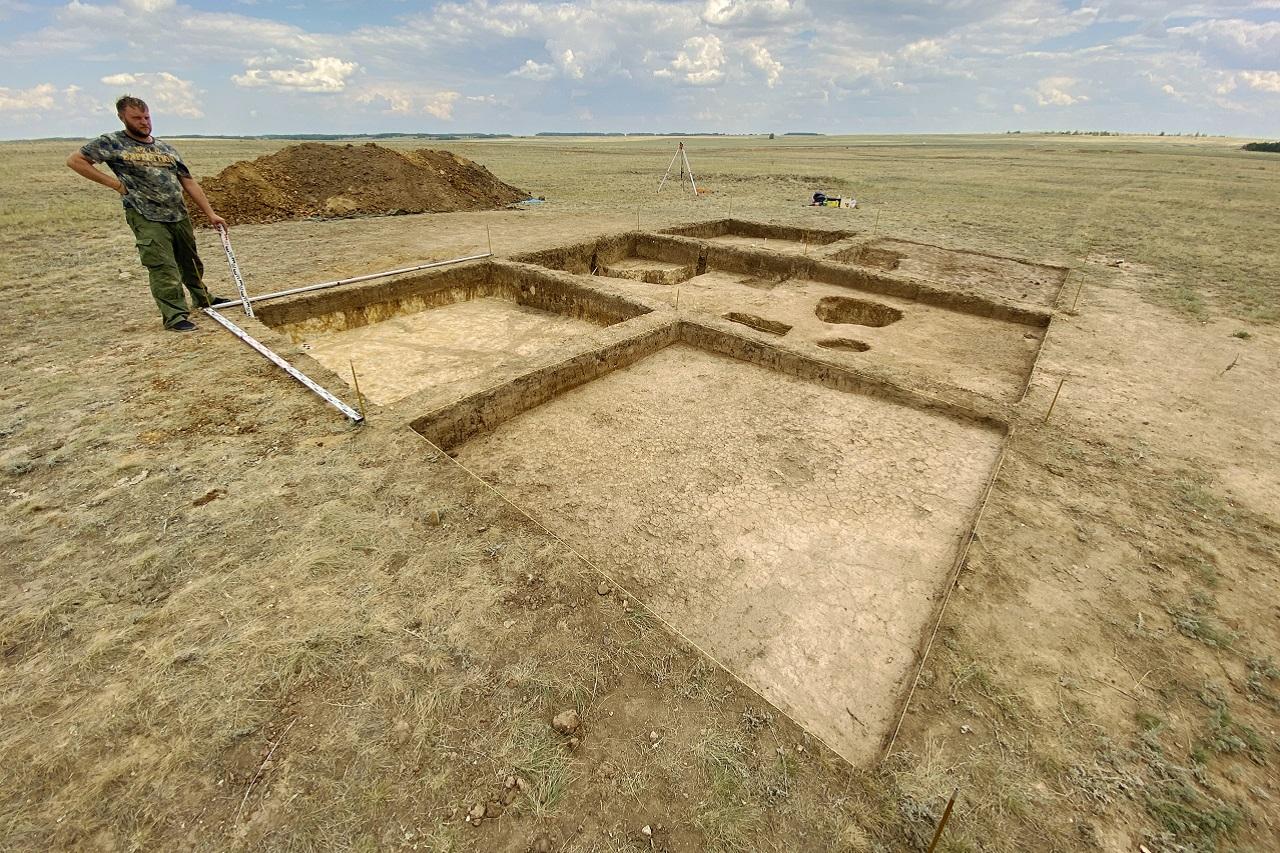 Доисторическое кладбище: массовое древнее захоронение детей изучают на Южном Урале