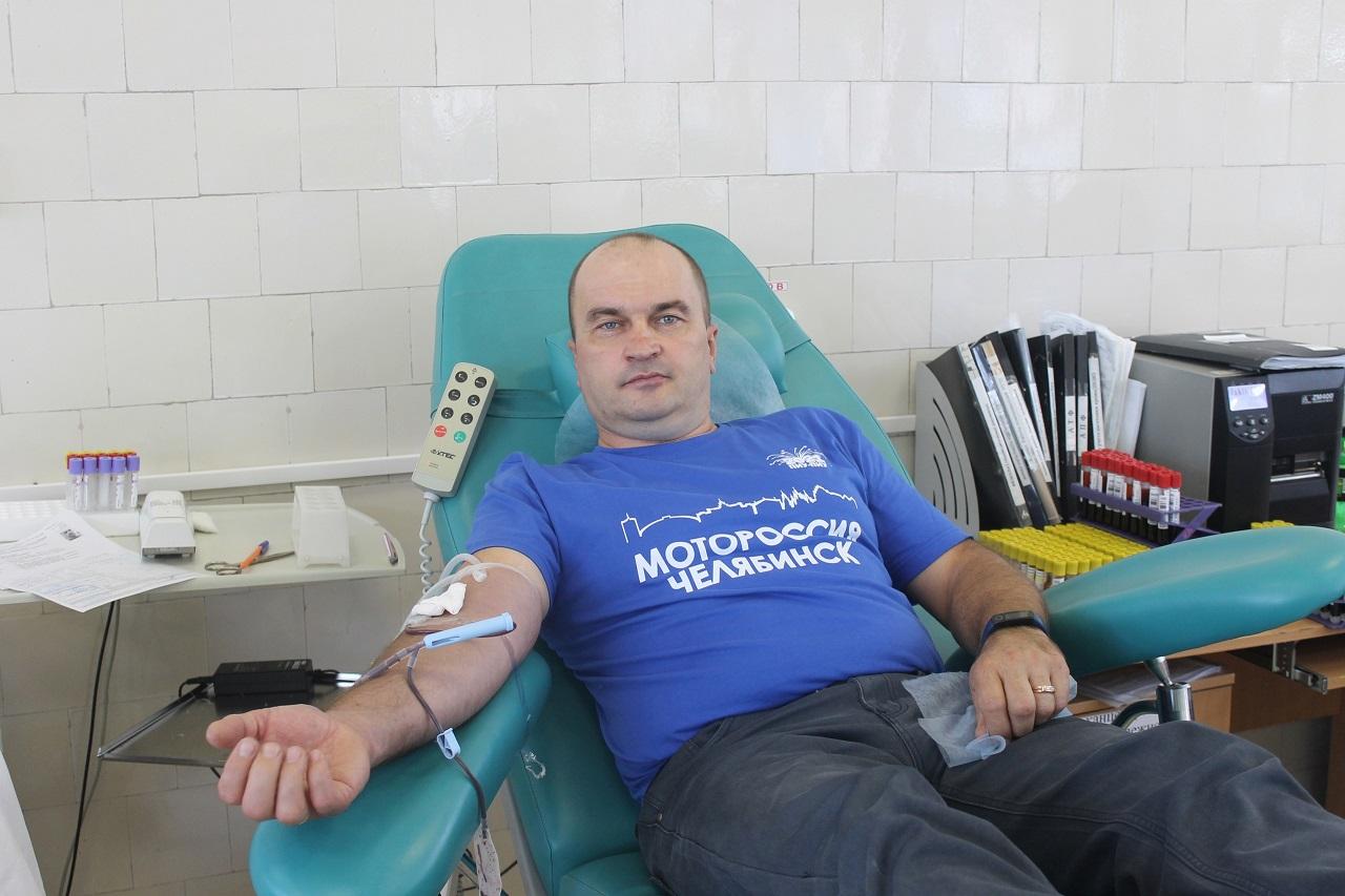 Челябинские байкеры за день сдали больше 100 литров крови