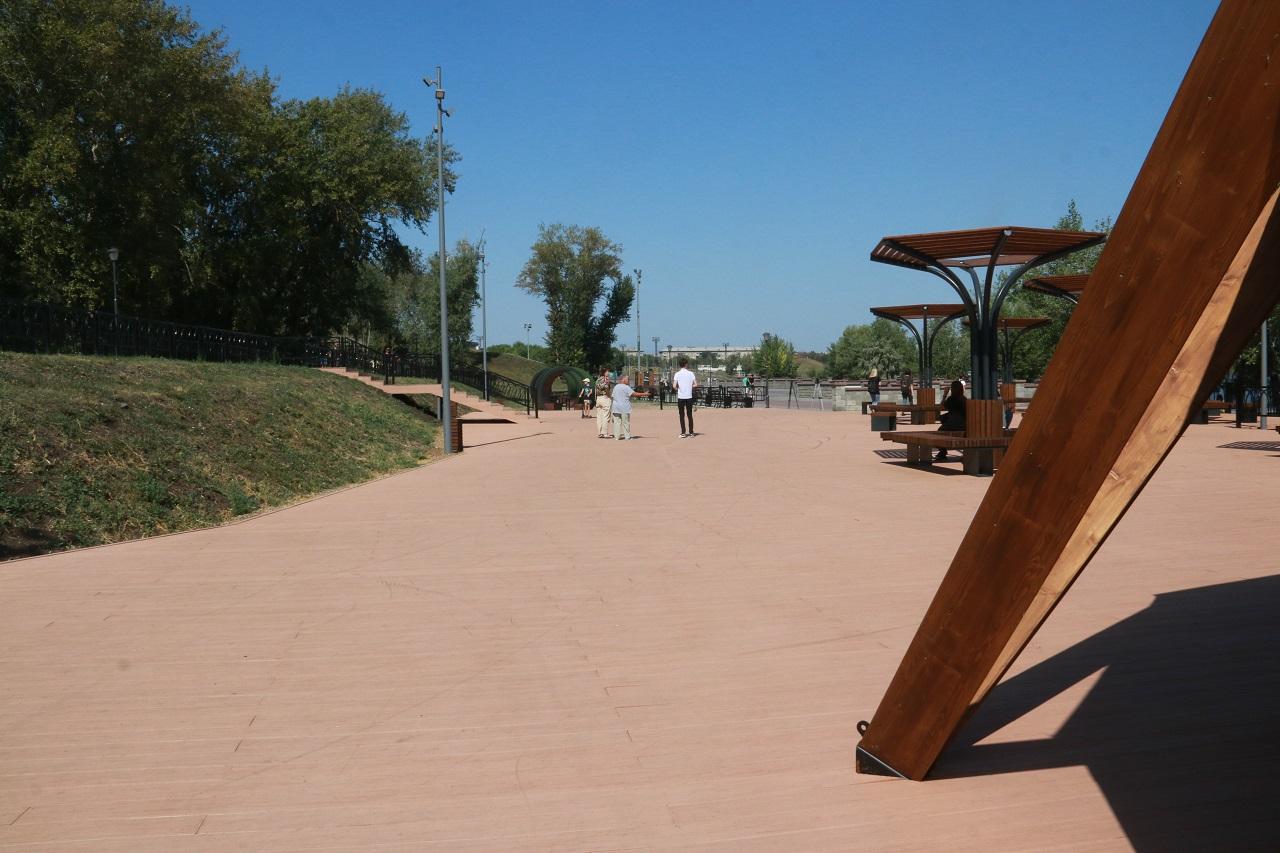 Новый понтон и зона для шашлыков появились на набережной в Магнитогорске