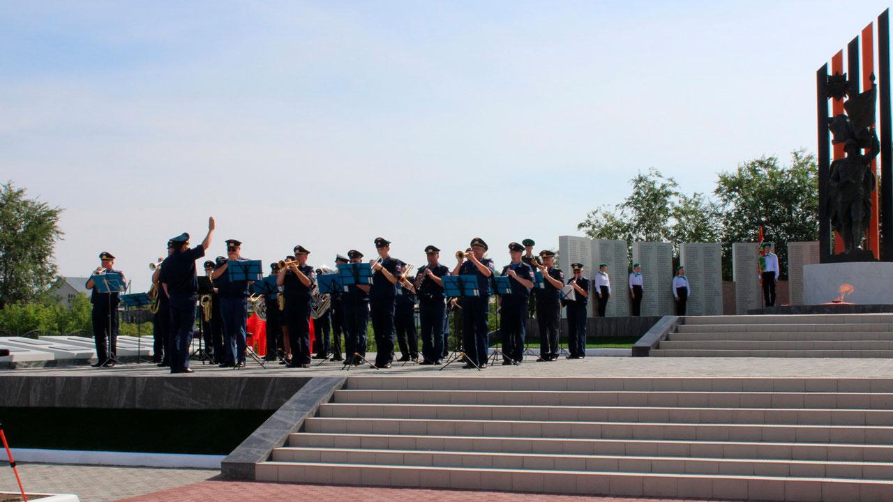 Мемориал воинам Великой Отечественной войны открыли в Челябинской области