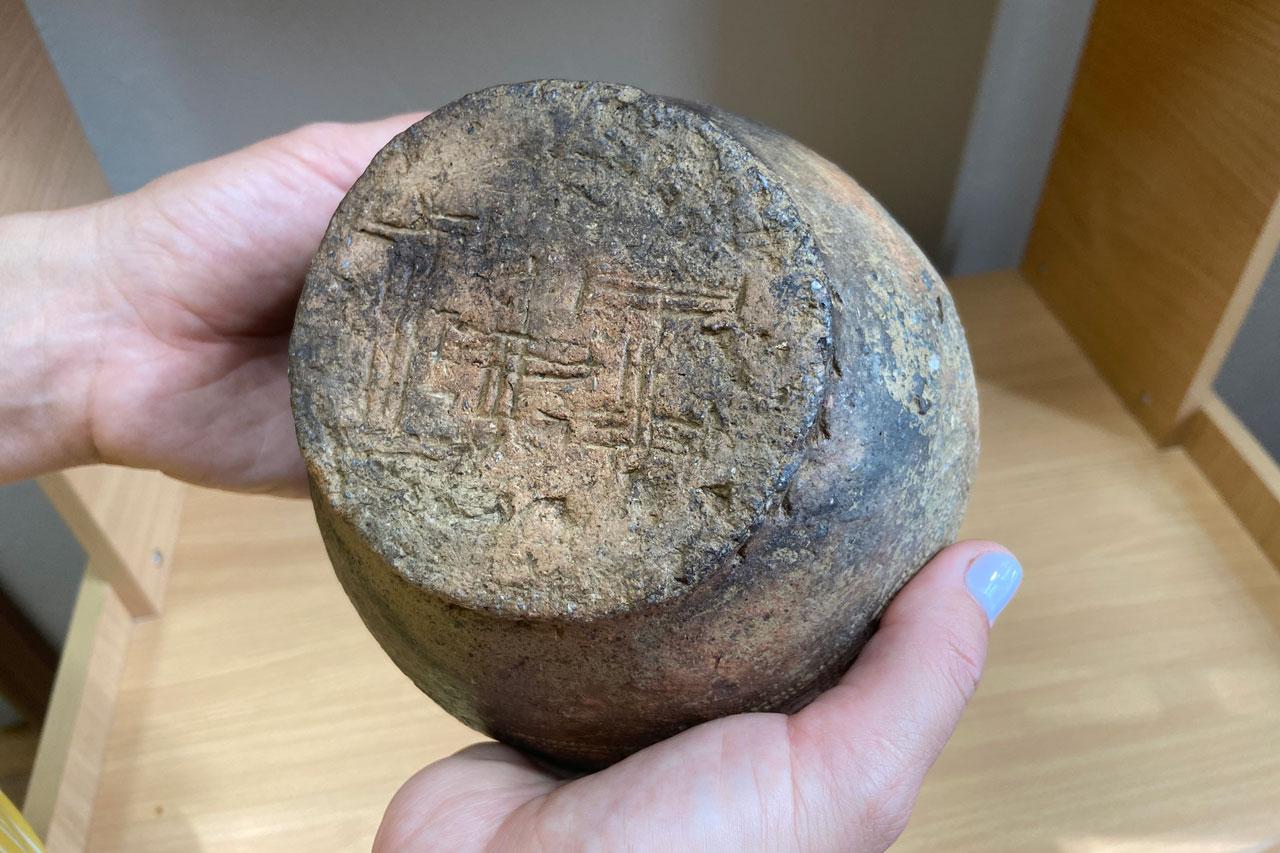 Необычные пиктограммы нашли на детском кладбище в Челябинской области