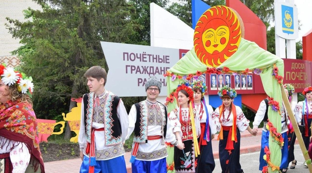 Десятки оригинальных рецептов сала покажут на Фестивале украинской культуры в Челябинске