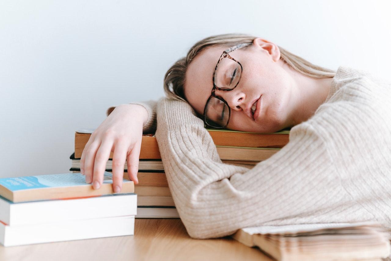 4 дурные привычки, которые мешают нормально жить