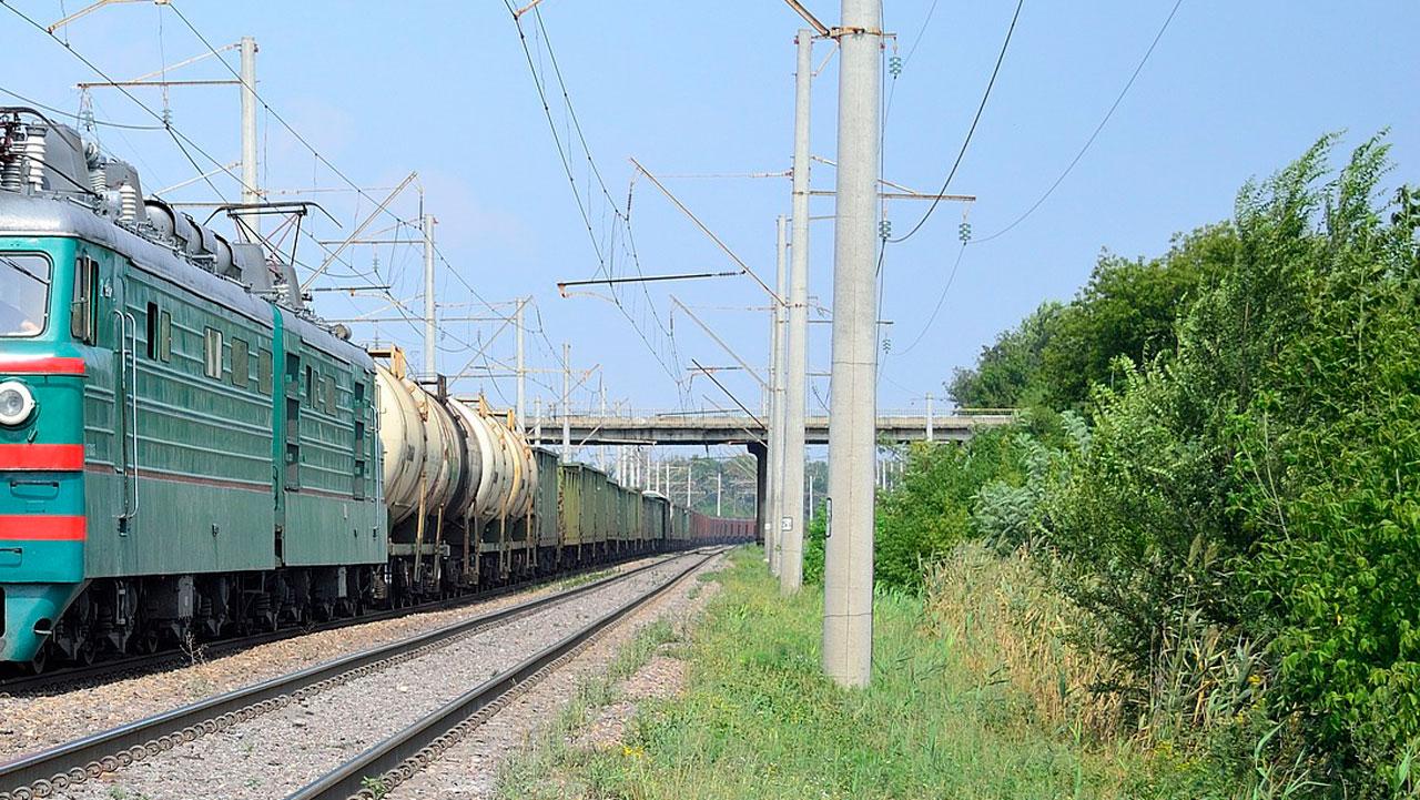 Житель Челябинской области попал под поезд и остался жив