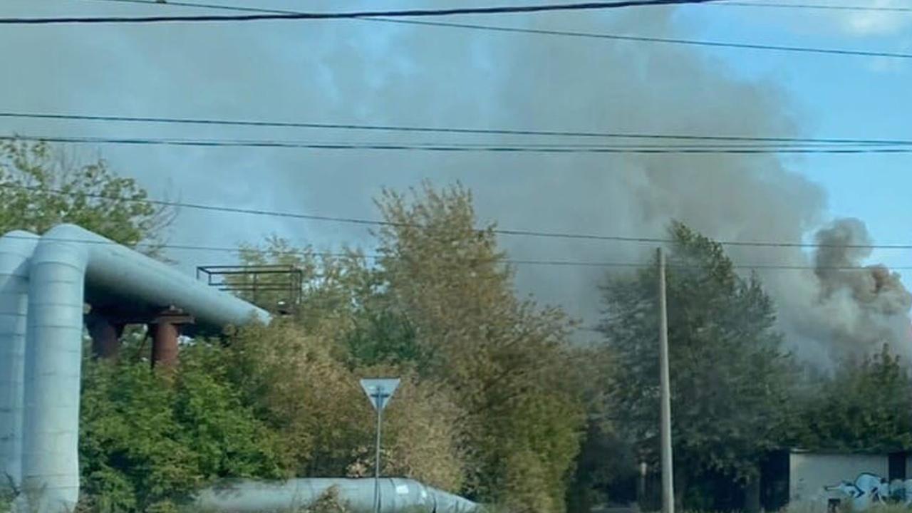 Опилки горят в бункере фабрики «Краснодеревщик» в Челябинске