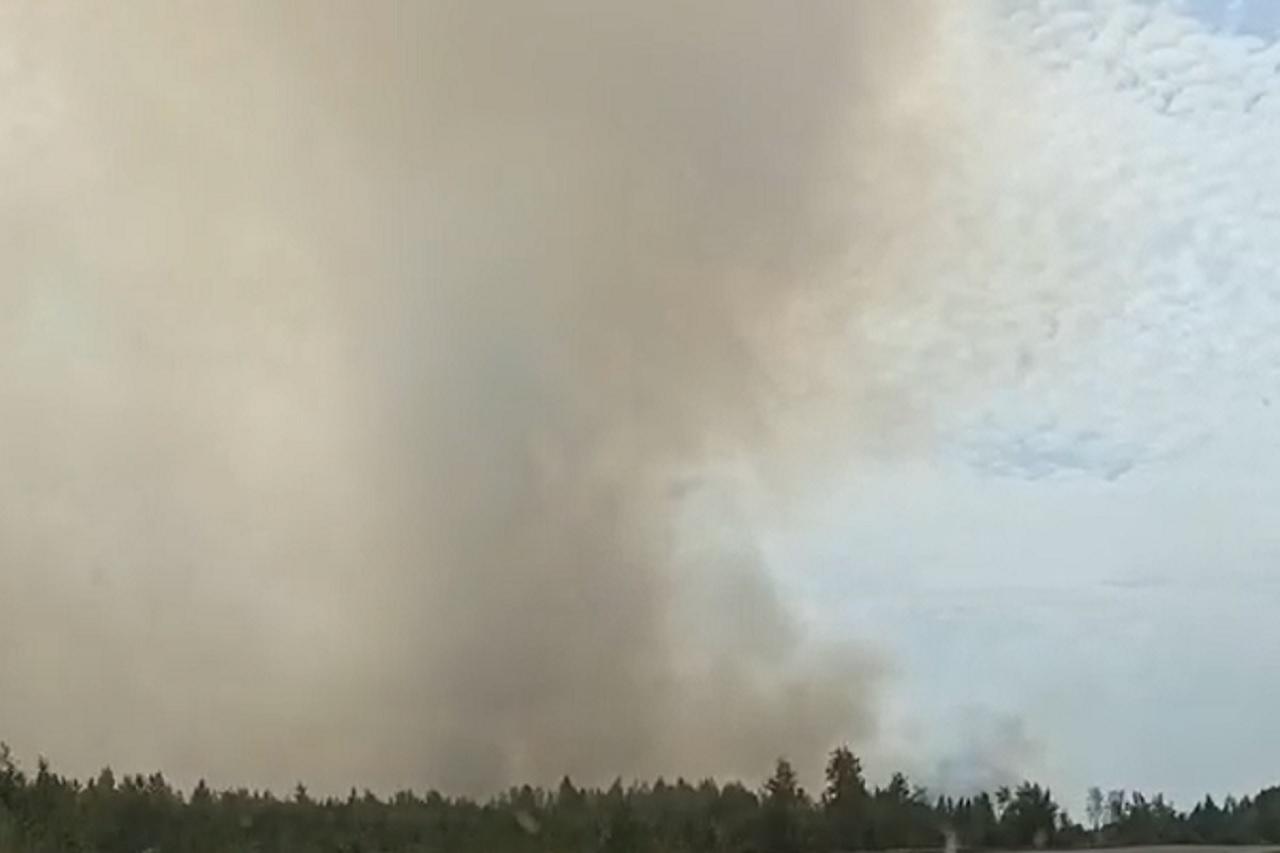Тушат третьи сутки: крупный лесной пожар ликвидируют в Челябинской области ВИДЕО