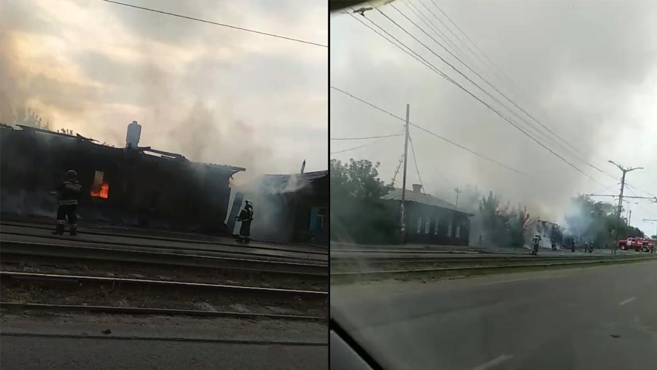 Есть погибший: в Челябинске загорелся частный жилой дом ВИДЕО