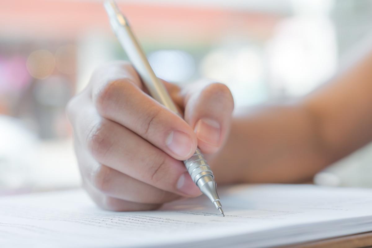 Значение рисунков и символов на бумаге: психологи рассказали, что означают каракули в тетрадях