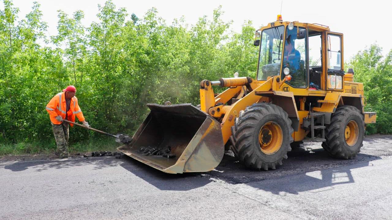 За урожаем — с ветерком: в Магнитогорске ремонтируют дороги к садам