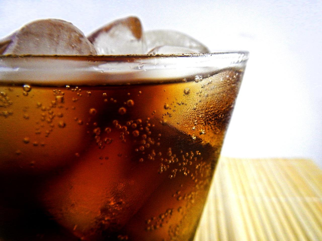 Вредная еда: 7 привычных продуктов, которые портят зубы
