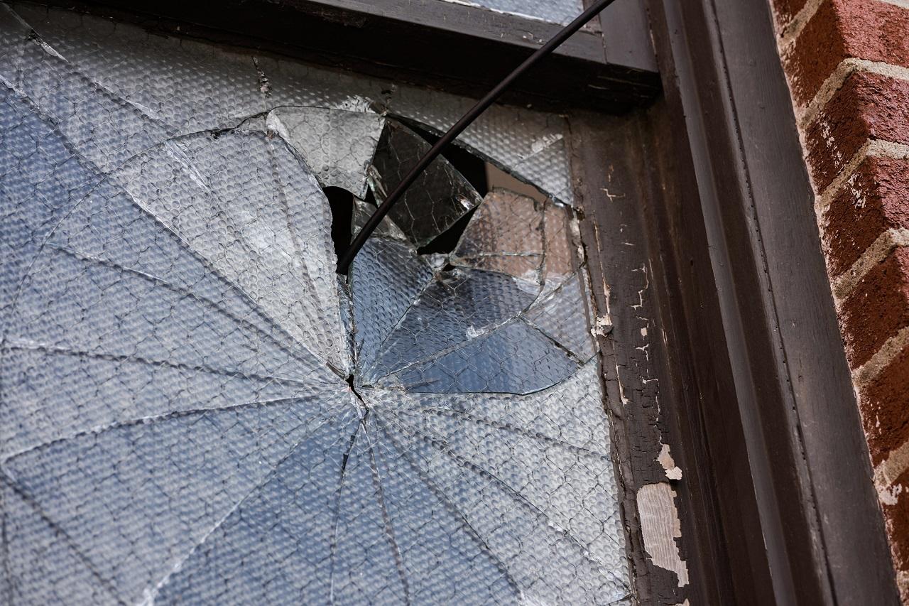 В Челябинске произошла серия нападений на салоны связи
