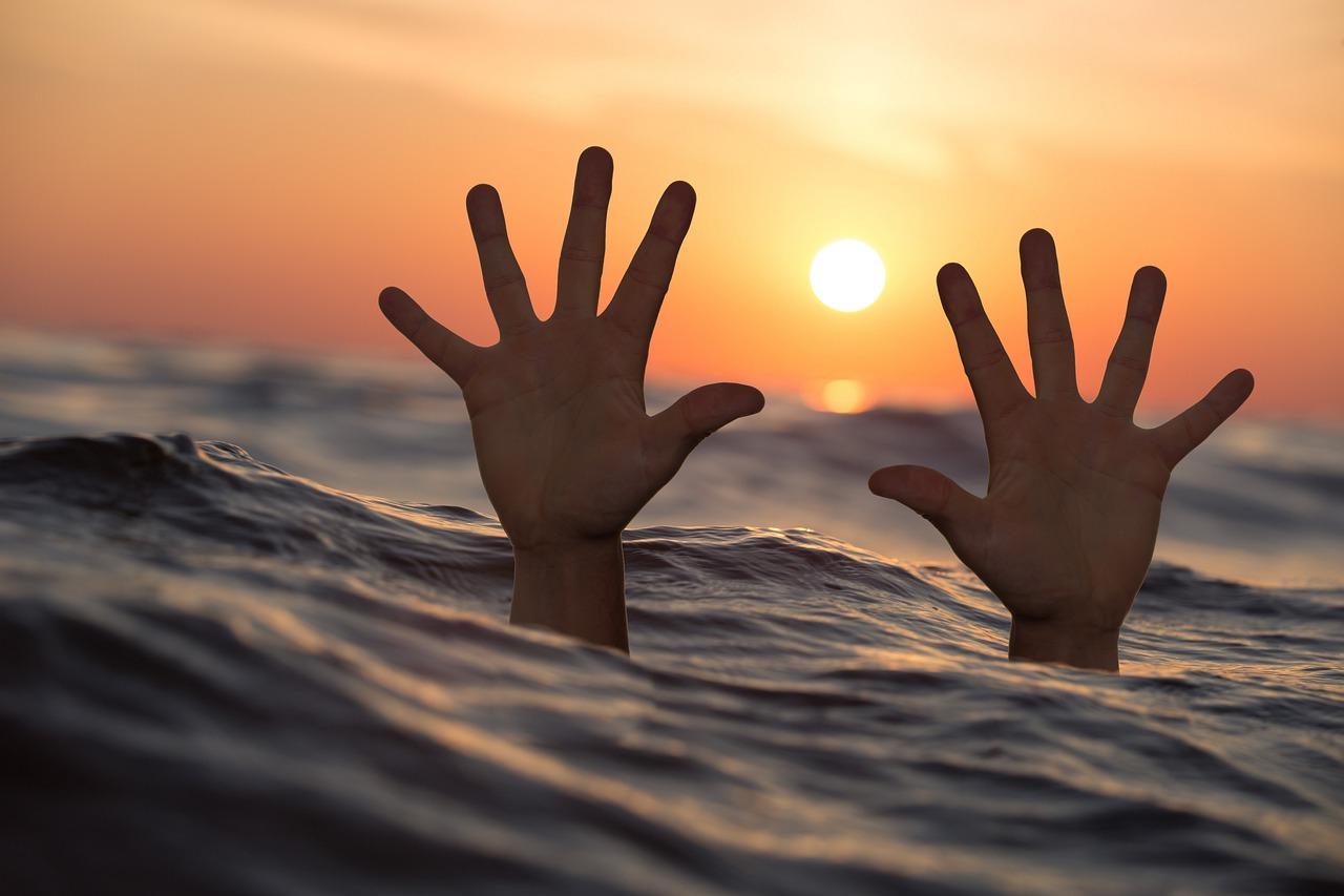Далеко заплыл: на озере в Челябинске едва не утонул 10-летний ребенок