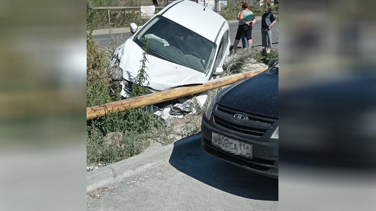 В Челябинской области машина протаранила газовую трубу