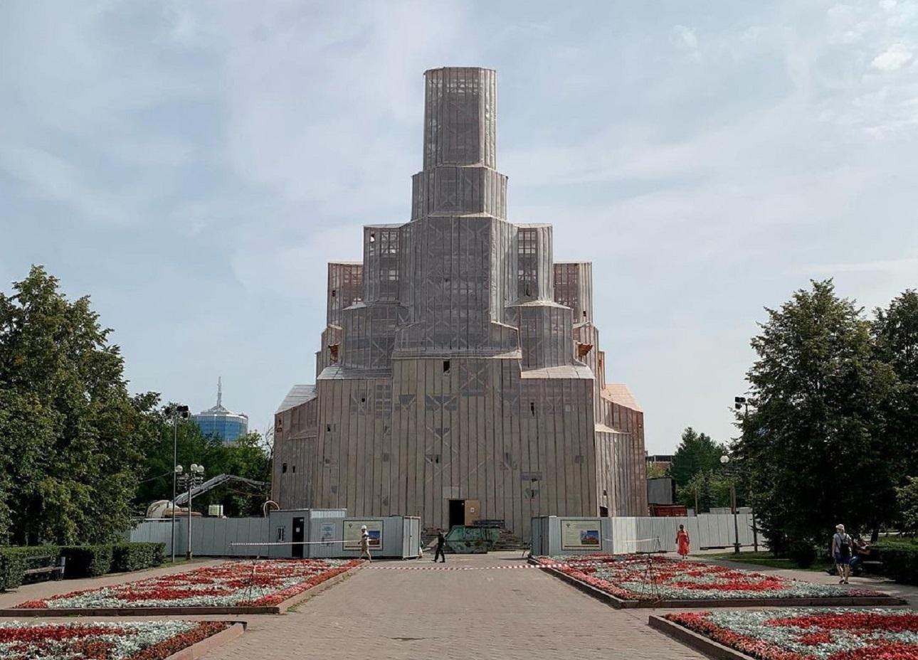 Золотые купола: как проходит реконструкция храма Александра Невского в Челябинске