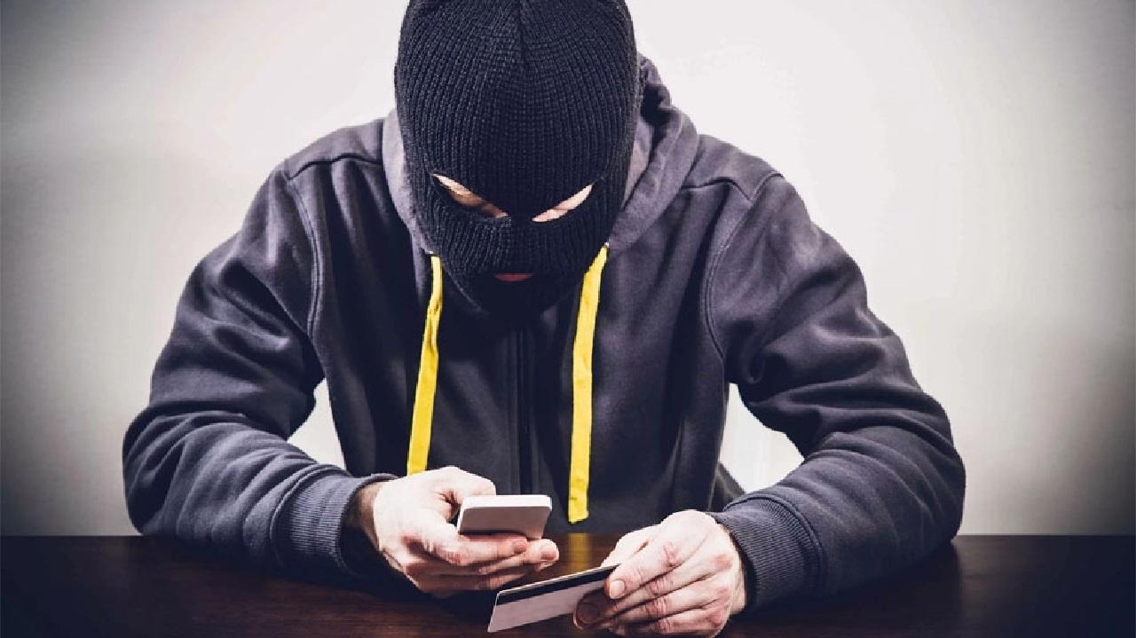 Телефонные аферисты выманивают миллионы у жителей Челябинска