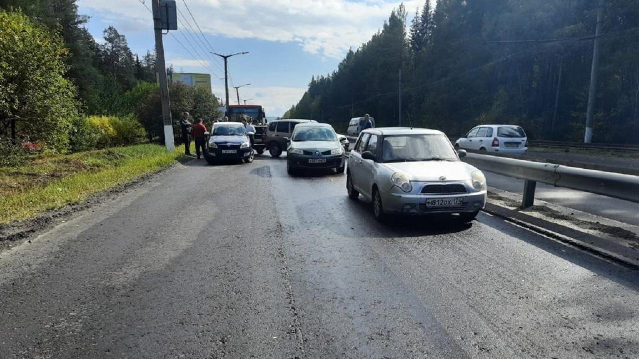 Массовое ДТП в Челябинской области: в аварию попали 19 автомобилей