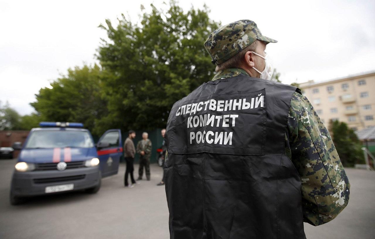 13-летняя школьница выпала из окна дома в Челябинске