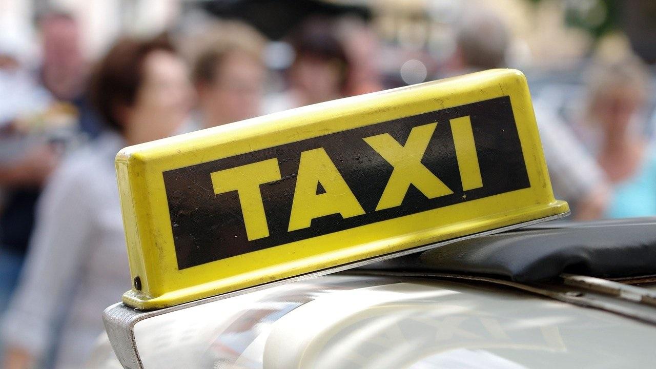 Кинули таксиста на 73 тысячи: в Челябинской области водитель попался на уловки мошенников