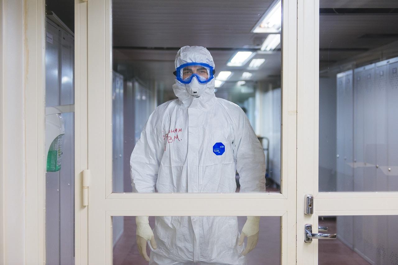 Как бывшие хоккеисты и воспитатели стали санитарами «красной зоны» в Челябинске