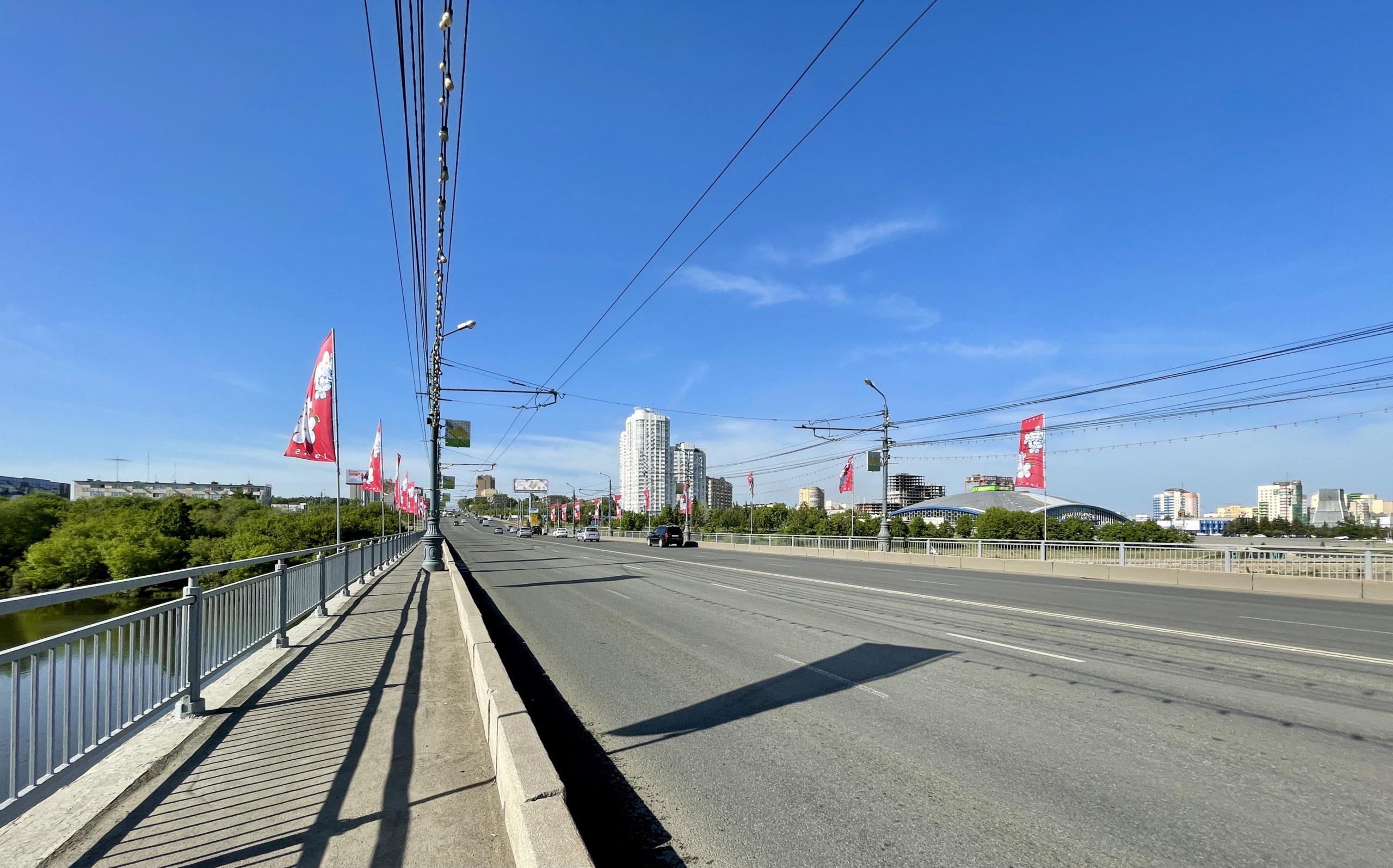 Движение на Свердловском проспекте в Челябинске сузят до двух полос