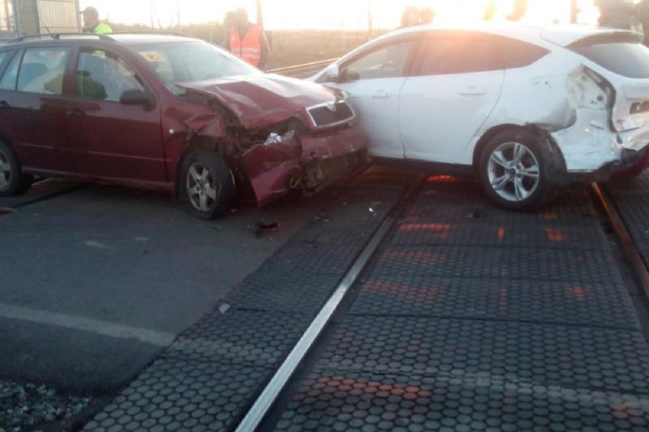 В ДТП на ж/д переезде в Челябинской области попали 3 автомобиля, есть пострадавшие