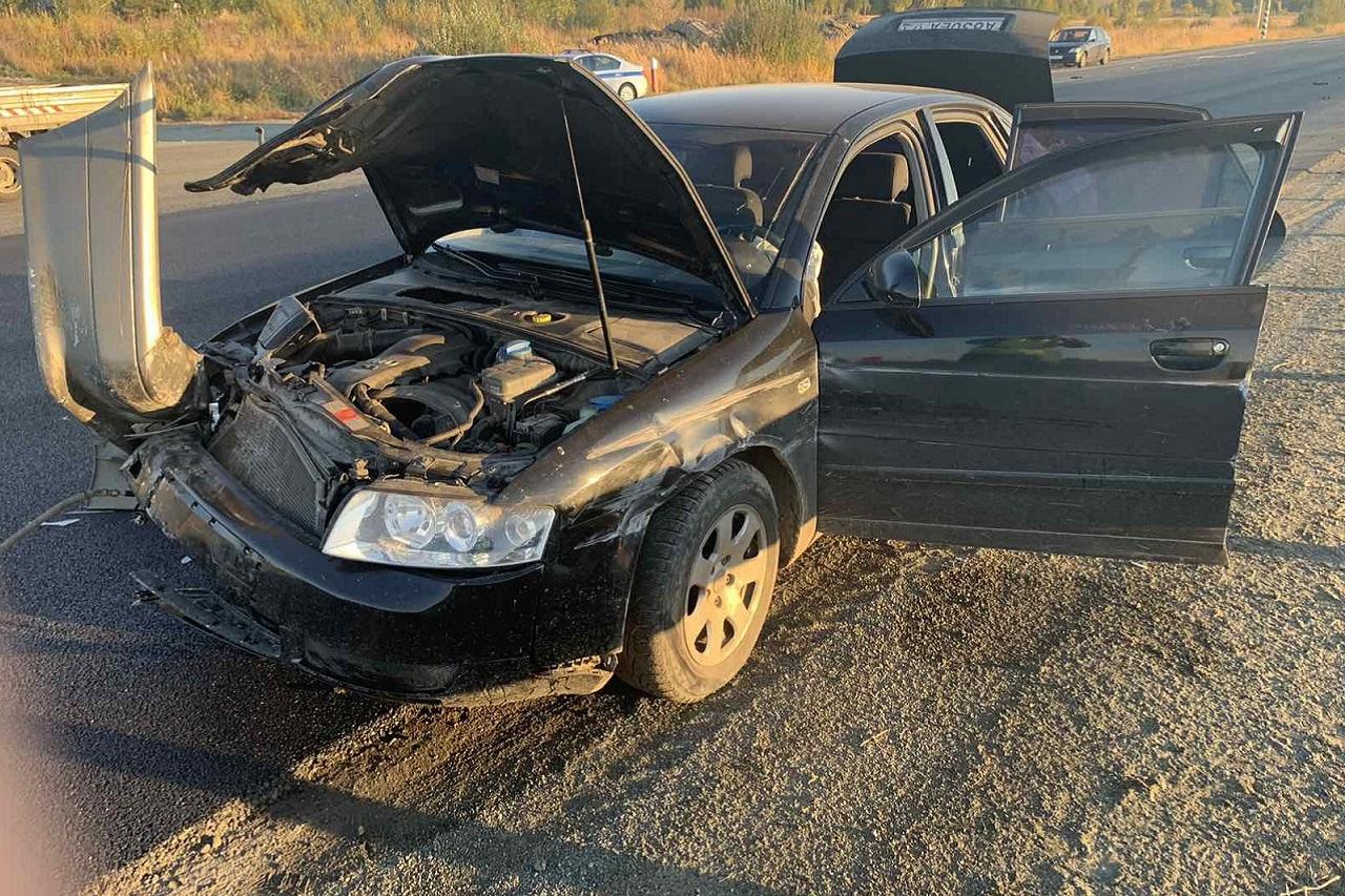 Автомобиль опрокинулся на трассе М5 в Челябинской области, есть пострадавшие