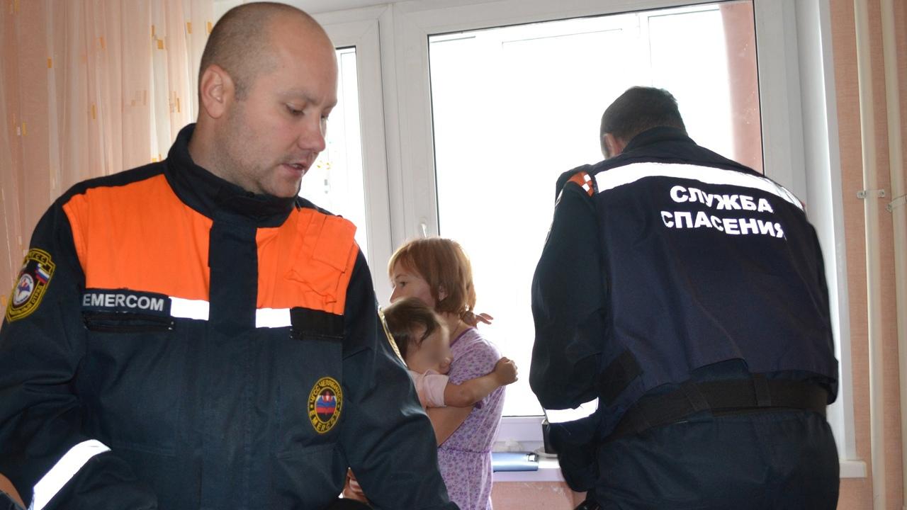 Ребенок застрял между трубами отопления в Челябинске