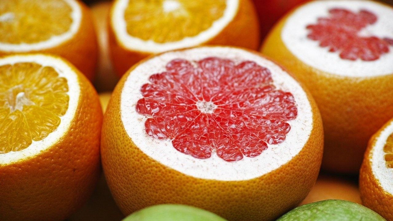 Диетологи назвали 30 здоровых продуктов, которые помогают сжигать жир
