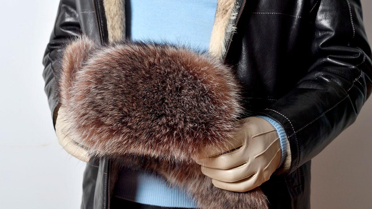 Для модниц и любителей классики: меховая выставка работает в Челябинске