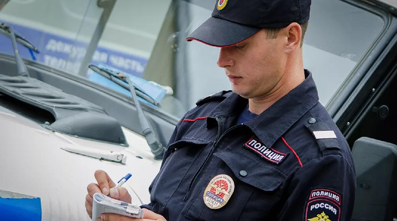 Неизвестный мужчина на автомобиле преследует школьников в Челябинской области