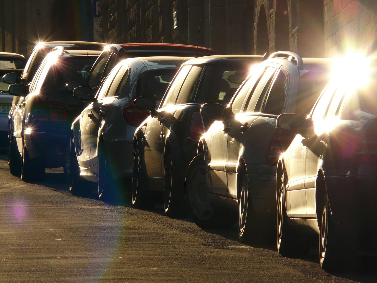Водители оценили удобство парковки во дворах в Челябинске
