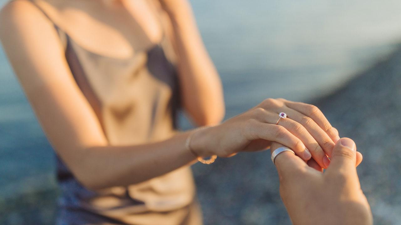 На счастье и удачу: народные приметы о правой руке и ноге