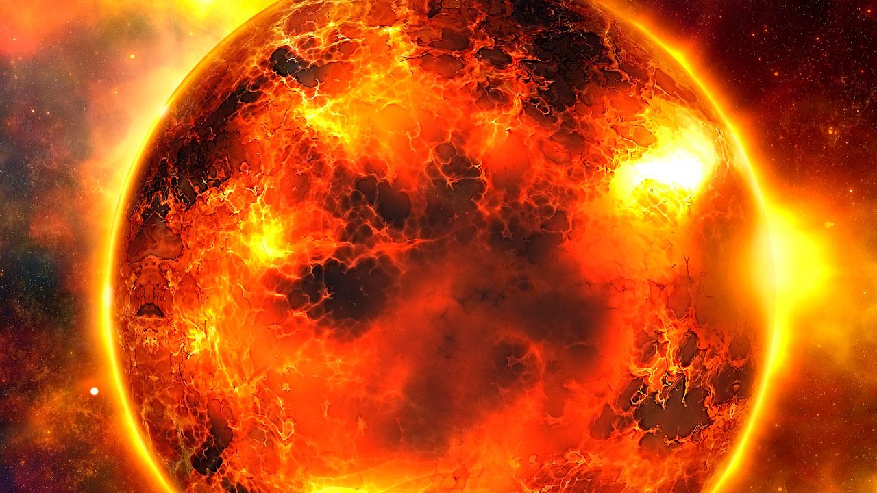 Магнитные бури 2021: Солнце покрывается гигантскими черными пятнами