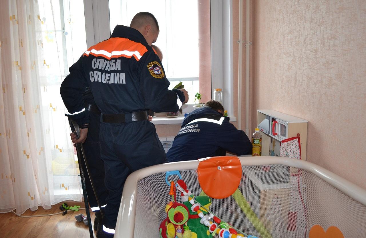Ребенок застрял между труб отопления в Челябинске