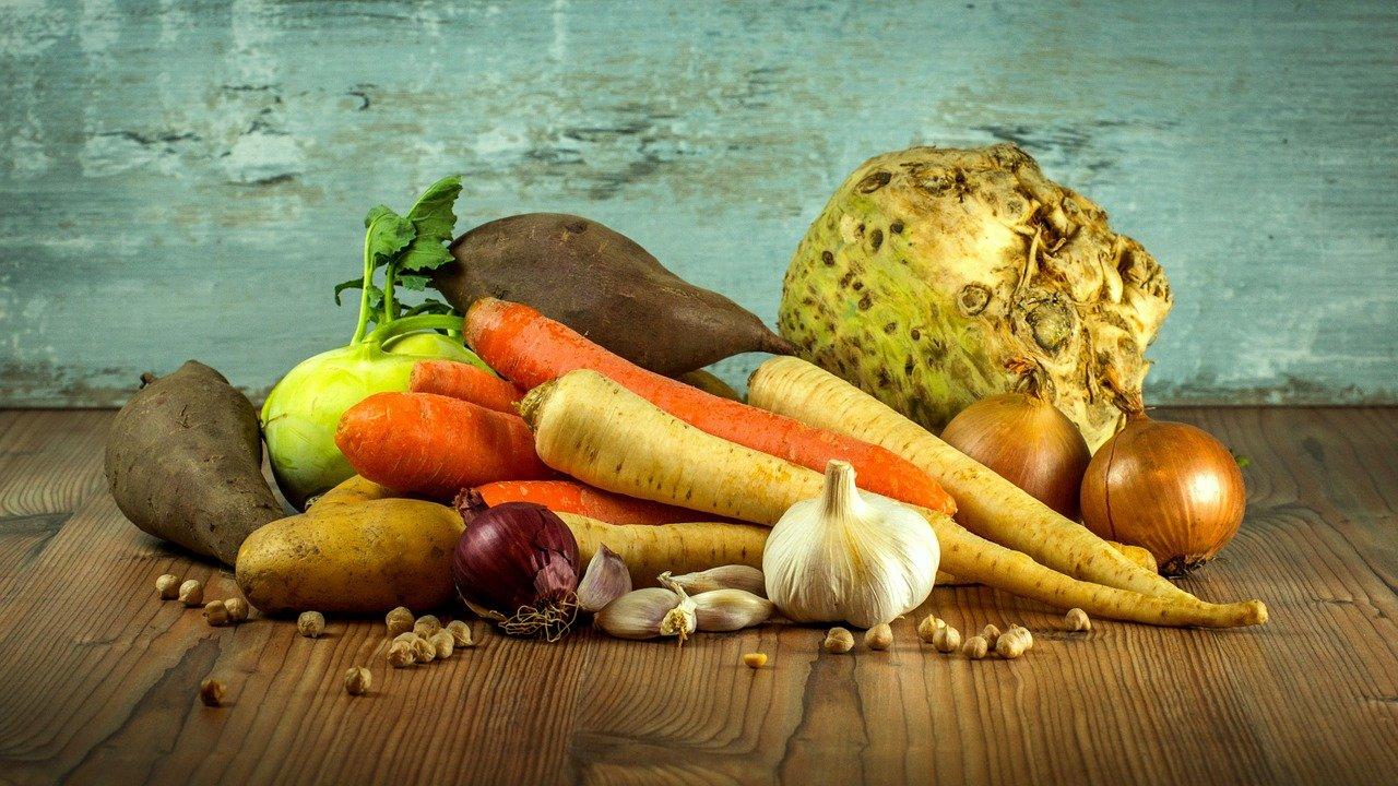 Названа стоимость минимального набора продуктов питания в Челябинской области