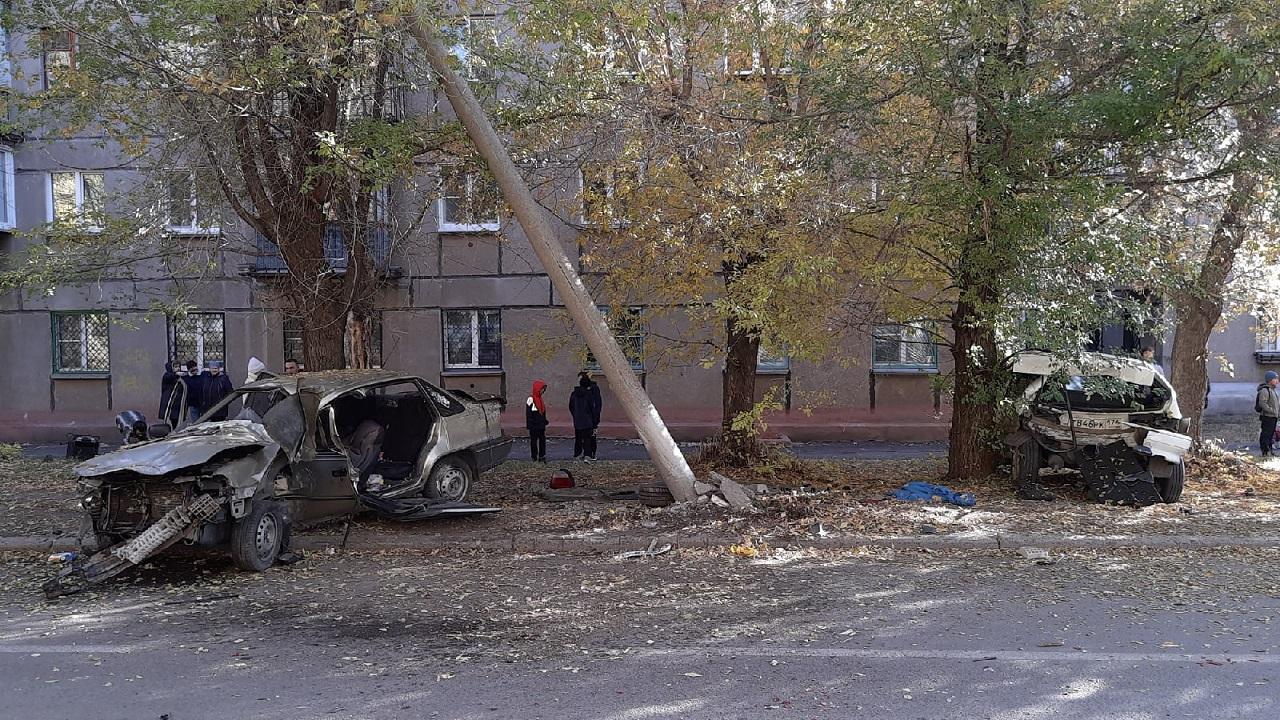 Автомобиль протаранил электроопору в Челябинской области
