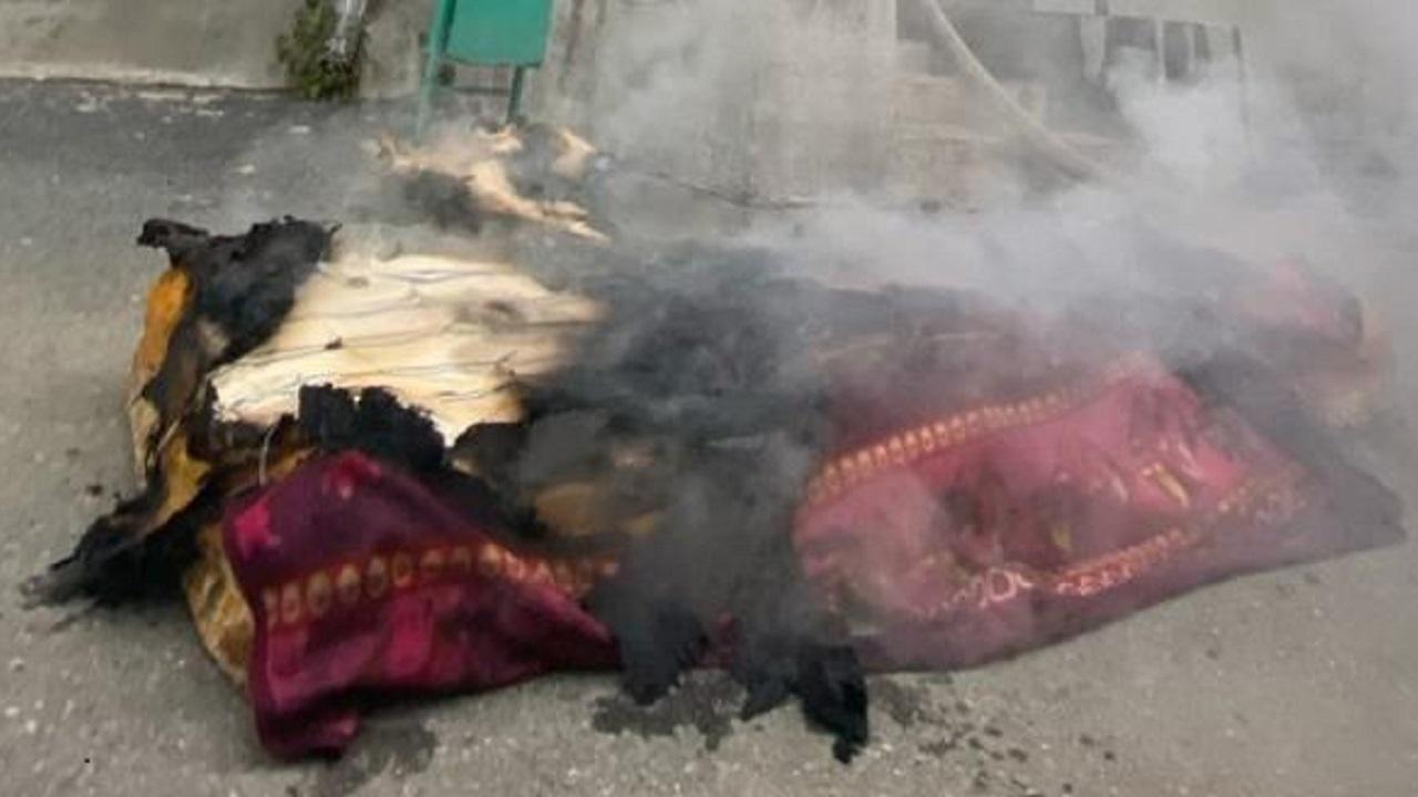 Горящий диван выкинули из окна 4 этажа в Челябинской области