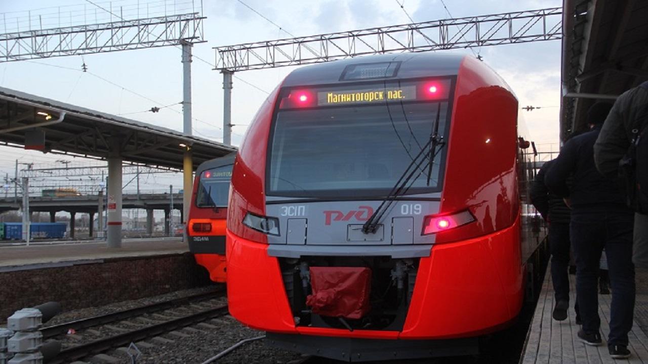Дети забросали поезд камнями на станции в Челябинской области