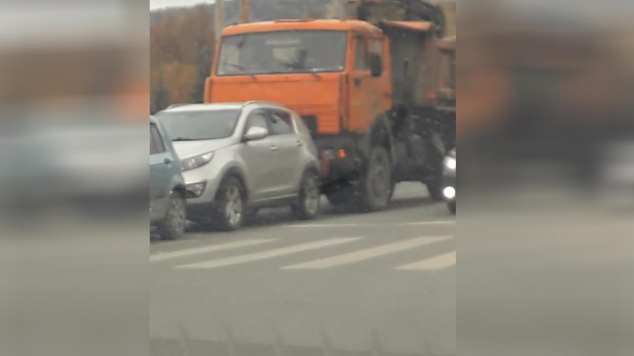 В Челябинской области произошла массовая авария на пешеходном переходе ВИДЕО