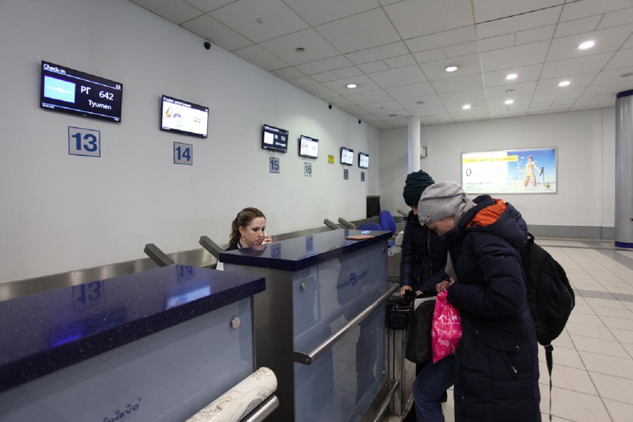 Пьяный житель Челябинска напал на полицейского в аэропорту Новосибирска
