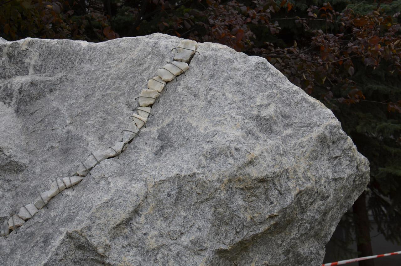 Необычный арт-объект итальянского скульптора установили на Южном Урале
