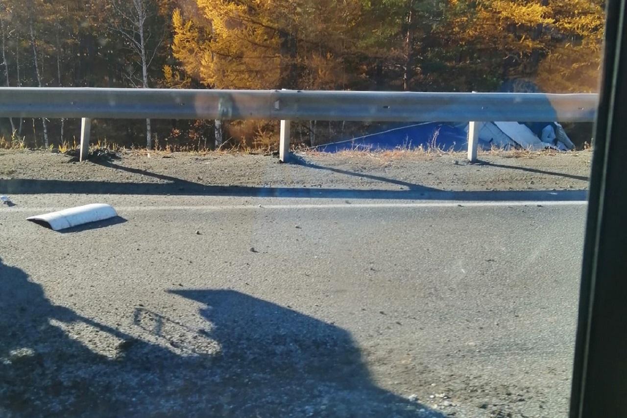 Грузовик и 2 легковых автомобиля попали в ДТП на трассе М5 в Челябинской области