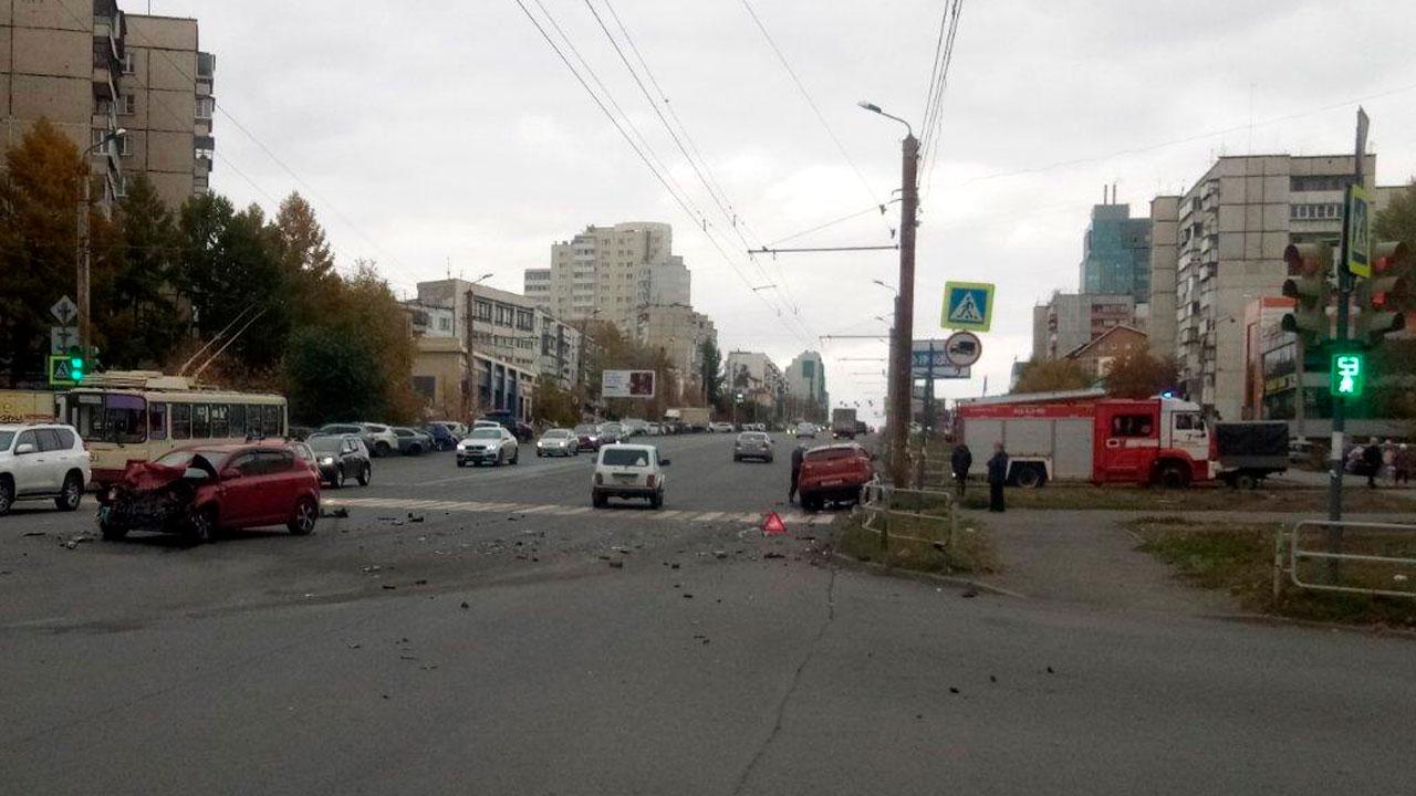 Два человека пострадали при ДТП в Челябинске