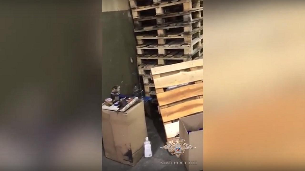 Крупный канал поставок контрафактного алкоголя перекрыли в Челябинской области