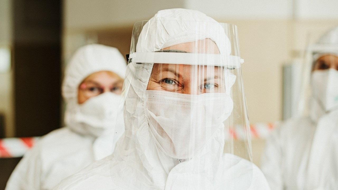 Без локдауна: губернатор Текслер прокомментировал обязательную вакцинацию