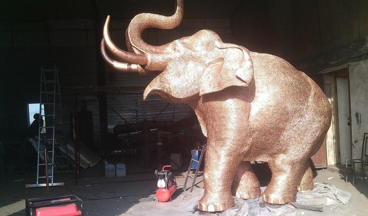 В Челябинске продают слона за 9 млн рублей